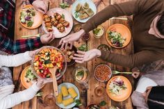 The Importance of Chewing Food for Digestive Health - Natural Health - Mother Earth Living Healthy Diet Tips, Healthy Dinner Recipes, Diet Recipes, Healthy Snacks, Healthy Eating, Party Recipes, Menu, Main Meals, The Best