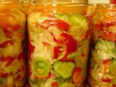Salata de iarna Canning Pickles, Diet Recipes, Healthy Recipes, Hungarian Recipes, Romanian Recipes, Winter Salad, Romanian Food, Canning Recipes, Saveur