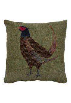Sewing Cushions The Glenalmond Harris Tweed Sporting Cushions come complete with a zipped cover and feather filled pad. Applique Cushions, Sewing Pillows, Felt Applique, Dog Cushions, Applique Ideas, Fabric Art, Fabric Crafts, Sewing Crafts, Sewing Projects