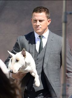 Channing Tatum and a Bully #celebrities #dogs http://www.petrashop.com/