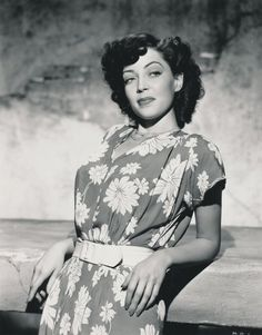 Marie Windsor, actress Golden Age Of Hollywood, Hollywood Glamour, Hollywood Stars, Classic Hollywood, Old Hollywood, Marie Windsor, Famous Photos, Classic Movie Stars, Old Movies