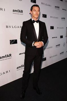 Luke Evans at the amfAR Milano Gala.