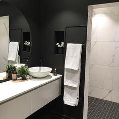 Bathroom(love) 🖤  Har ca 12 t på å bestemme farge til kjøkkenet! Iiiiiih!🤦🏼♀️ Happy weekend!  .  #hanneromhavaas @hanneromhavaas #funkis_tine @funkis_tine #funkiest #funkis64b @funkis64b #mitlyse @mitlyse #ukensbad #rørkjøp @rorkjop #jotunlady #interior #bathroom #bathroomdecor #ulfven #marmor #marmorfliser #housedoctor #nordic #mynordicroom #lenespedersen #husefjell #irdecor #homedecor #dempetsort #bonytt #myhome #nytthus2017 #baderom #modernhome #funkis #inspire #interior4all