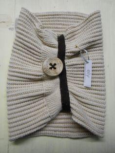 BEAUTY COLLAR: 100%merino wool