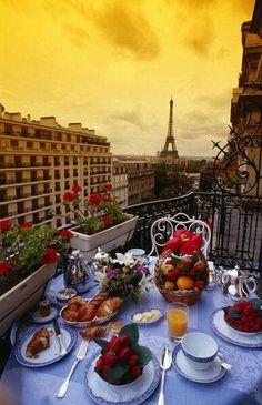 Breakfast in Paris? Look like paradise to me.