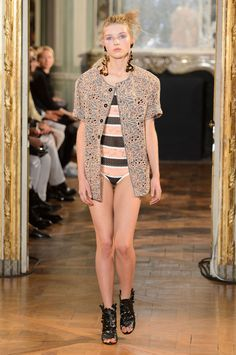 Véronique Leroy Spring 2016 Ready-to-Wear Collection  - ELLE.com