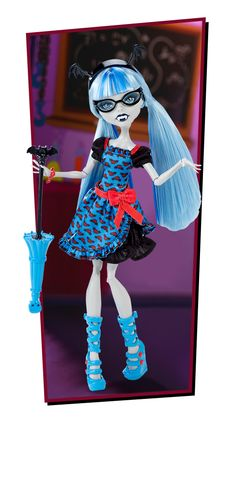 Ghoulia Yelps, daughter of zombies