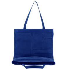 Vous hésitez entre plusieurs modèles de sac ? Avec «BeUnperfect» n'hésitez plus, offrez un sac réversible. BeUnperfectest une marque de maroquinerie et d'accessoires haut-de-gamme, créée à Paris en 2010 par la designer italienne Margherita Matticari.  Son adresse :  Boutique Showroom 8-10 rue de Normandie - 75003 Paris. Son site web : http://beunperfect.com/ Sac réversible / maroquinerie / haut-de-gamme : designer / femmes / mode / sac à dos