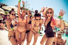 Ibiza Itinerary: Top 10 Money Saving Tips in Ibiza - Sophie's Suitcase Spring Break Locations, Spring Break Destinations, Travel Destinations, Ibiza Strand, Dance Charts, Ibiza Travel, Travel Usa, Ibiza Trip, Party