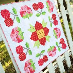 """It'll be summer year-round with our berry blast tabletopper! Love how the sowing seeds quilt from #farmgirlvintage turned out in #lakehousedrygoods new…"""