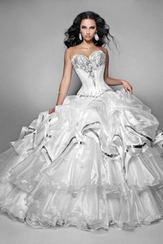 Black And White Corset Wedding Dresses - Black And White Quinceanera Dresses Lace Ball Gowns, Tulle Ball Gown, Ball Dresses, Dresses 2014, White Quinceanera Dresses, Wedding Dress With Feathers, Quince Dresses, Up Girl, Wedding Dress Styles