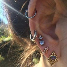 Different ear piercing ideas #piercing #womentriangle