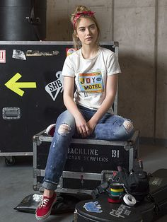 Imogen Poots in Roadies (2016) - Click to expand