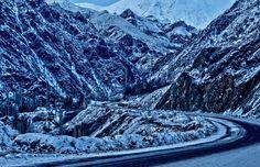 Karlı bir kış günü yollarda...