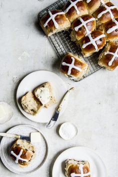 Why do we only make hot cross buns at Easter? Yummy Recipes, Easter Recipes, Sweet Recipes, Dessert Recipes, Yummy Food, Desserts, Bread Recipes, Spring Recipes, Bagels