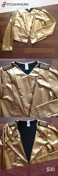 Jacket NWOT Gold ..... 100 % polyester has lots of stretch 2x fits 16/18 brand new never worn small flaw see pic 4 top right shoulder Boutique Jackets & Coats