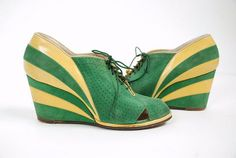 Vintage two tone wedge shoes 1930s Fashion, Art Deco Fashion, Retro Fashion, Fashion Shoes, Vintage Fashion, Vintage Boots, Vintage Closet, Vintage Outfits, Madame Gres