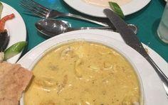 Vellutata di pesce - La vellutata di pesce è una salsa calda che viene preparata nello stesso modo della besciamella, ma invece del latte si usa del brodo di pesce. È facile da preparare e si usa per piatti di pasta al forno a base di pesce, oppure come base per salse per piatti di pesce
