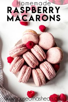 These pretty-in-pink Raspberry Macarons are filled with raspberry jam and raspberry buttercream and are the perfect way to end any meal! Macarons Filling Recipe, Macaron Flavors, Sugar Free Macaron Recipe, Macarons Easy, New Year's Desserts, Cute Desserts, Dessert Recipes, Dessert Bars, Plated Desserts