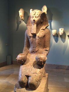 Estatua egipcia.