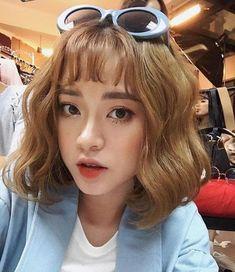 Hair short curly girl 50 New Ideas Short Hair Makeup, Asian Short Hair, Beach Wave Hair, Shoulder Hair, Hair Color For Black Hair, Curly Girl, Girl Hair, Trendy Hairstyles, Asian Hairstyles