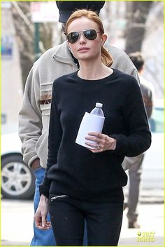 Kate Bosworth Hides Her Water on 'Still Alice' Set!   Alec Baldwin, Julianne Moore, Kate Bosworth Photos   Wagner AZ