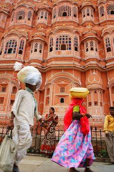 Het Hawa Mahal paleis in Jaipur, India