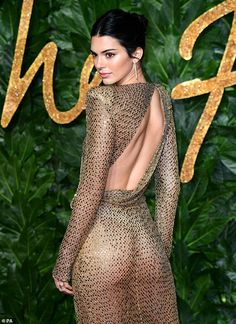 British Fashion Awards: Kendall Jenner leaves little to the imagination in a sheer gold-beaded dress Formal Dresses For Men, Grad Dresses Short, Dresses For Teens, British Fashion Awards, Gold Beaded Dress, Gold Dress, Gold Gown, Actrices Sexy, Kendall Jenner Style