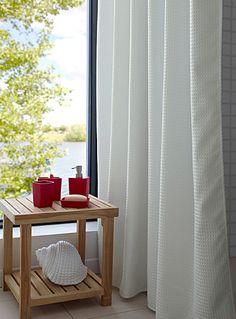 Exclusivité Simons Maison - Magnifique rideau de douche tissage en relief pour un effet de volume pure mode - Uni blanc pur au fini satiné chic - Aimants de maintien au bas - Tissu 100% polyester facile d'entretien - 180x180 cm