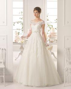 http://www.matrimonio.com/abiti-sposa/aire-barcelona/145-8c1e6-ayamonte--v28350