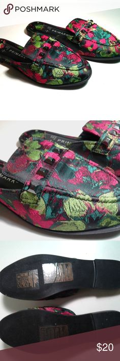 Embroidered Flower Sandals Size 6 Gorgeous Embroidered Sandals. Sandals have a flower pattern which allow you have a luxury look to your outfit. Primark Shoes Sandals