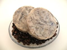 crockpot coffee kitchen soap tutorial: love this for getting strong smells of hands. want to make a batch of this one. Coffee Soap, Coffee Cafe, Cozy Coffee, Coffee Creamer, Iced Coffee, Soap Tutorial, Coffee Painting, Coffee Drawing, Coffee Plant