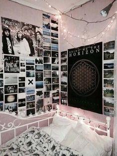 Bedroom Decor For Teen Girls, Teen Girl Rooms, Trendy Bedroom, Bedroom Ideas, Bedroom Inspo, Bedroom Themes, Bedroom Designs, Bedroom Wall, Teenage Room