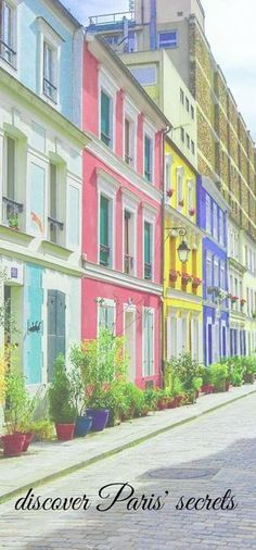 discover Paris hidden gems and secret attractions. Unusual things to do in Paris and the best ideas to see a offbeat Paris with tips from a local - visit Paris - Paris sightseeing - Paris what do see - activities in Paris - food tours - walking tours