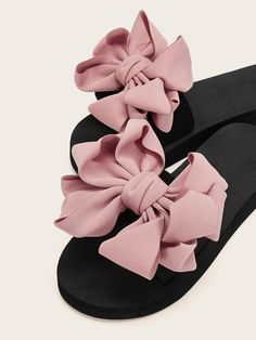 Shop Bow Decor Open Toe Sliders at ROMWE, discover more fashion styles online. Coral Sandals, Shoes Flats Sandals, Beaded Sandals, Cute Sandals, Cute Slippers, Slippers For Girls, Fancy Shoes, Hot Shoes, Cute Dresses For Teens