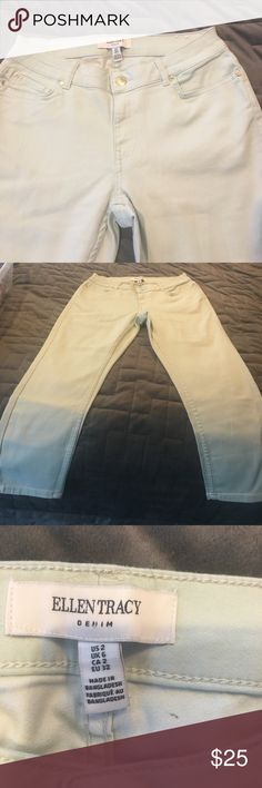 Size to telling Tracy Capri jeans Size 2 and wing Tracy Capri jeans. Ultra light blue brand-new without tags and never worn. Super stretchy tape that shape ! So comfortable! Ellen Tracy Jeans Skinny