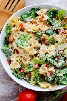 Before I tell you how delicious this BLT pasta salad is .- Before I tell you how delicious this BLT pasta salad is, I want to … - Blt Pasta Salads, Blt Salad, Feta Pasta, Spinach Pasta, Dinner Salads, Salad Cake, Romaine Salad, Tortellini Salad, Shrimp Pasta