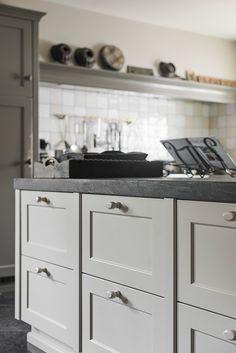 Fotoboek | J. van Mourik interieurbouw & timmerwerken | Geldermalsen Kitchen Interior, Rustic Modern Kitchen, Kitchen Cabinets, Kitchen Remodel, Kitchen Decor, Kitchen Dining Room, Home Kitchens, Rustic Kitchen, Kitchen Design