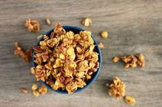 This Pumpkin Pie Granola has easily become a fall favorite. It is packed with real pumpkin flavor and a delicious way to snack! Old Fashioned Oatmeal, Granola Bars, Pecans, Coconut Oil, Pie, Pumpkin, Foods, Snacks, Breakfast