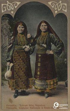 """Επιχρωματισμένη φωτογραφία γυναικών με φορεσιά από την Ανατολική Ρωμυλία. Επιγραφές: """"Θεσσαλία, Ένδυμα Νέας Αγχιάλου"""", """"Thessalie, Costume Nationale a Nean-Anchialon"""". Δημιουργός: Stefanos Stournaras Ημερομηνία: 1919-1920 Ημερομηνία δημιουργίας: 1919/1920. Συλλέκτης: Peloponnesian Folklore Foundation Ίδρυμα: Europeana Fashion www.europeanafashion.eu Folk Dance, Folk Costume, Historical Clothing, Traditional Outfits, Contemporary Design, Catwalk, Greek Costumes, Greece, Past"""