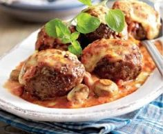 Ofenfrikadellen in Tomaten-Pilz-Sahne Rezept Oven cakes in tomato mushroom cream recipe Maila, Cooking Recipes, Healthy Recipes, Cream Recipes, I Foods, Food Inspiration, Love Food, Food Porn, Food And Drink