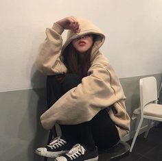 Ulzzang 🌹 Girl uploaded by Lin on We Heart It Mode Ulzzang, Ulzzang Korean Girl, Cute Korean Girl, Asian Girl, Korean Aesthetic, Aesthetic Girl, Aesthetic Clothes, Aesthetic Grunge, Asian Fashion