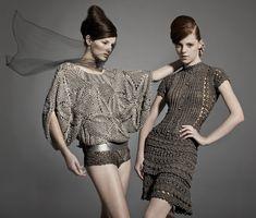 Los vestidos maravillosos de Vanessa Montoro. Parte 1. Vanesa Montoro es una mujer que diseña vestidos de crochet maravillosos! Hice un vestido suyo y quedó...
