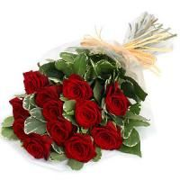 This is Bunch of 12 Red Roses. Send flowers to Delhi online on birthdays, anniversary and important festivals through the most recommended online florist in the capital NCR region. Send Flowers Online, Order Flowers, Buy Flowers, Online Florist, Local Florist, Bunch Of Red Roses, Flowers Bunch, Fresh Flowers, Send Roses