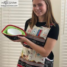 Crossback Reversible Apron sewing pattern by Indygo Junction – IndygoJunction How To Make Aprons, Child Apron Pattern, Apron Sewing, Thread Up, Go Fit, Stitch Lines, Kids Apron, Quilting For Beginners, Sewing Pillows