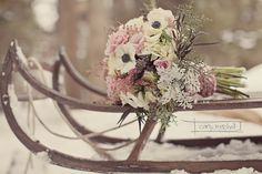 {Wedding Florals} Seasonal Flowers to Remember Winter Wedding Flowers, Floral Wedding, Snow Wedding, Winter Weddings, Boho Deco, Winter Bouquet, Winter Wonderland Wedding, Winter Wedding Inspiration, Winter Photos