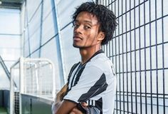 Juan Cuadrado urges Juventus to keep our heads against Genoa having secured Champions League qualification on Tuesday. The Bianconeri won  Source