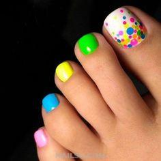 25 Cute Toe Nail Designs to Copy / cute and colorful toenail art Simple Toe Nails, Pretty Toe Nails, Cute Toe Nails, Summer Toe Nails, My Nails, Cute Toes, Bright Toe Nails, Rainbow Toe Nails, Crazy Summer Nails