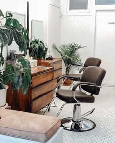 Spotted: Our Lars Mid-Century Dressers being creatively used in a salon! Share your unique style with : Home Beauty Salon, Home Hair Salons, Hair Salon Interior, Beauty Salon Decor, Salon Interior Design, Beauty Room, In Home Salon, Home Spa Room, Salon Furniture