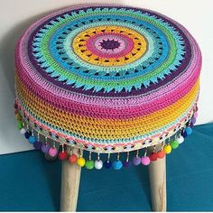 Hiç Görmediğiniz 50 Yeni Örgü Modelleri Best Picture For Crochet flowers For Your Taste You are looking for something, and it is going to tell. Crochet Home, Easy Crochet, Crochet Baby, Knit Crochet, Crochet Cushions, Crochet Motif, Crochet Designs, Stool Cover Crochet, Knitting Patterns